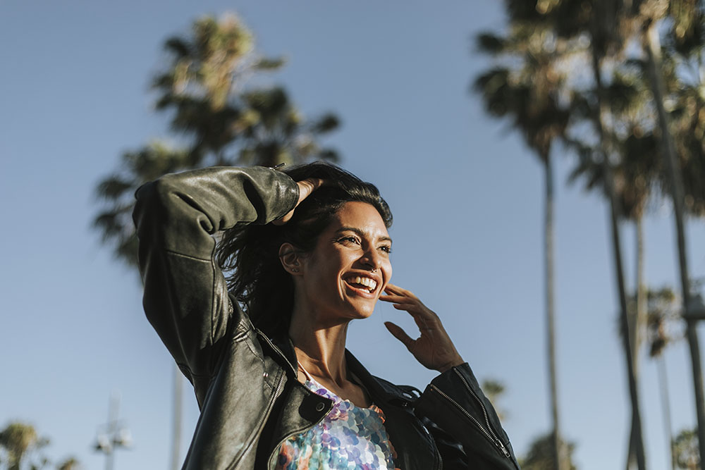 smiling Latina woman looking to meet a man