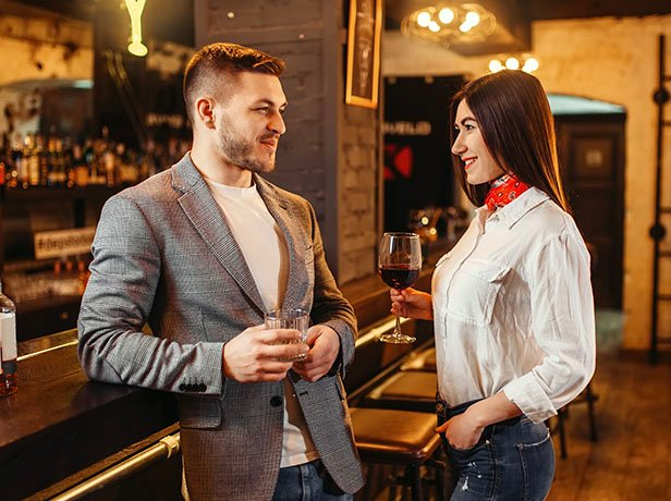 Expert Tips On How To Meet Men At Bars